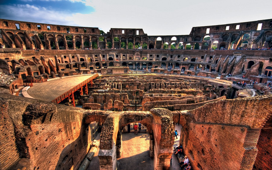 Inside-of-The-Roman-Colosseum
