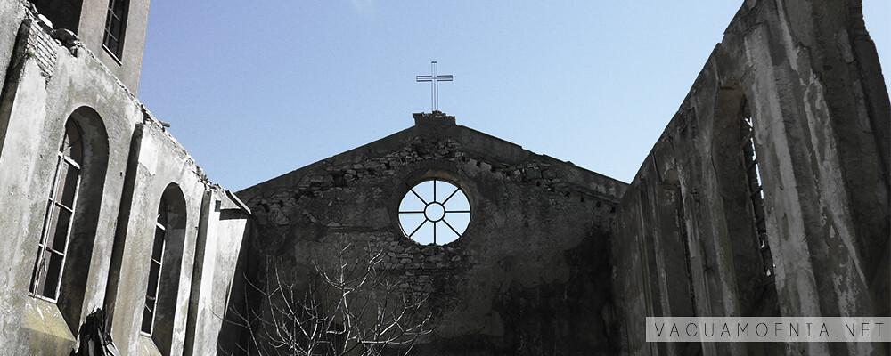 Interno della chiesa di Borgo Riena a Lercara Friddi (PA) fonte vacuamoenia.net
