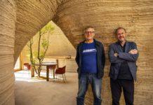 Massimo Moretti di Wasp e l'architetto Mario Cucinella all'interno di Tecla