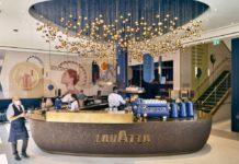 Il primo piano del flagship store di Lavazza a Londra